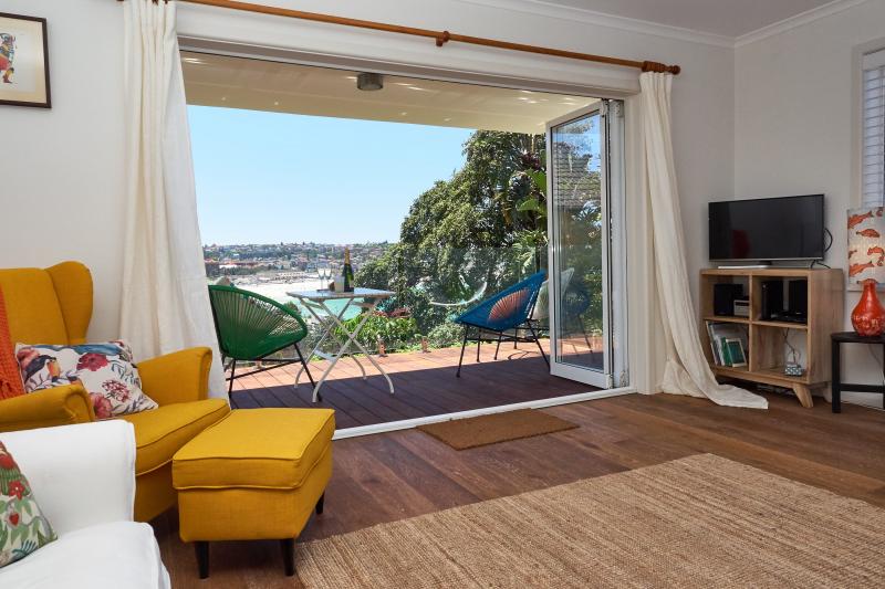 Breezy Bondi Beach Apartment - Bondi, New South Wales ...