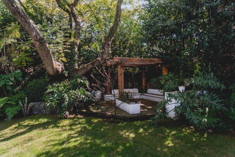 Mid Century House With Garden And Service Staff San Angel Inn