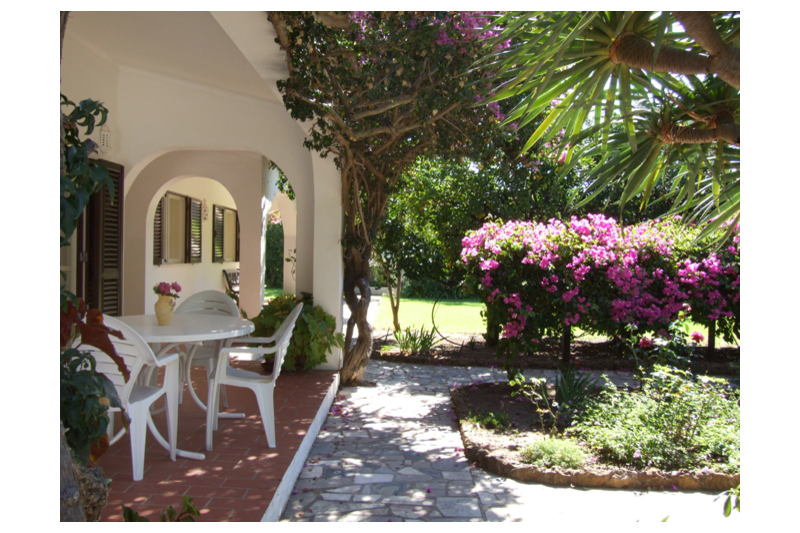 Established Villa In Mature Gardens With A Private -9995