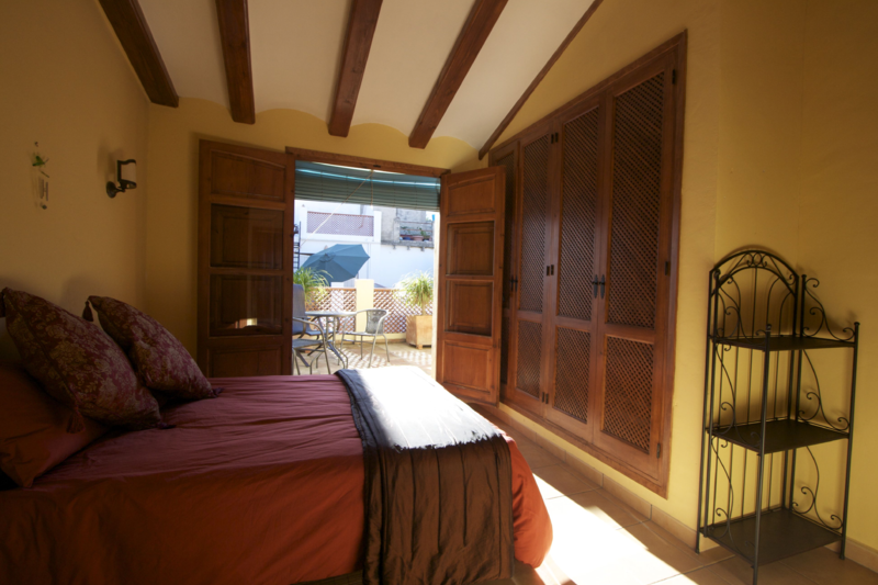 Charming Spanish Townhouse: Exchange/Points/Rental