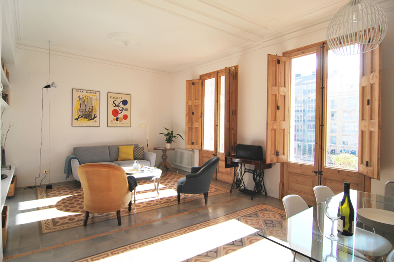 19th century renovated apartment in barcelona eixample for Piso wellington barcelona