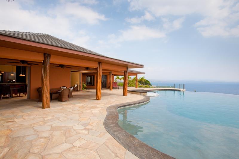 infinity pool overlooking ocean - photo #19