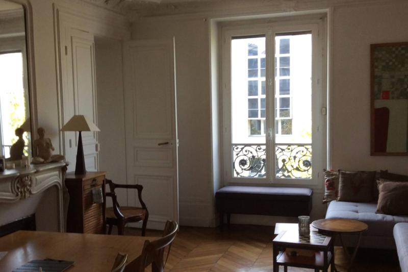 appartement haussmanien moderne pour une famille paris. Black Bedroom Furniture Sets. Home Design Ideas