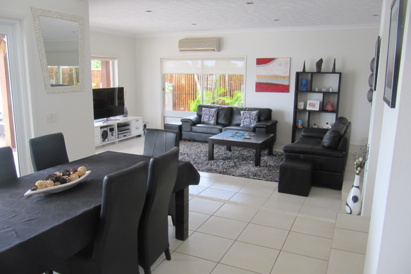 Fantastic Waterfront Home on the Sunshine Coast & Fantastic Waterfront Home on the Sunshine Coast - Maroochydore ...