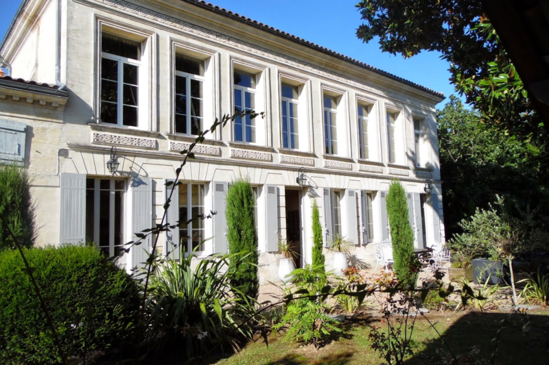 Historic Villa Near Bordeaux With Sunny Pool Bourg