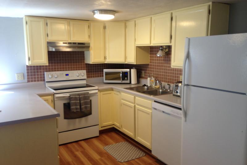 2 Bedroom Spacious Bright Basement Apartment Central Boulder Colorado Love Home Swap