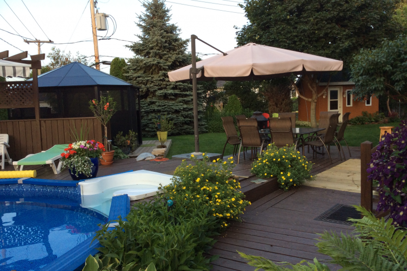 Maison confortable grand jardin piscine et spa - Maison et spa ...
