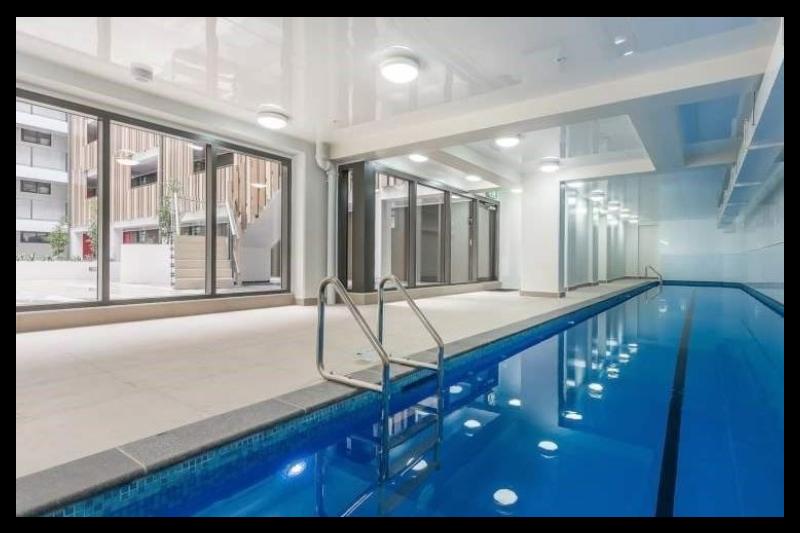 City studio apt balcony heated pool gym akl auckland