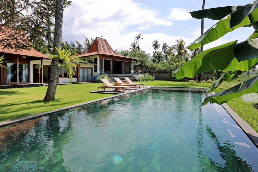Swimming pool at villa in Kabupaten Tabanan in Bali