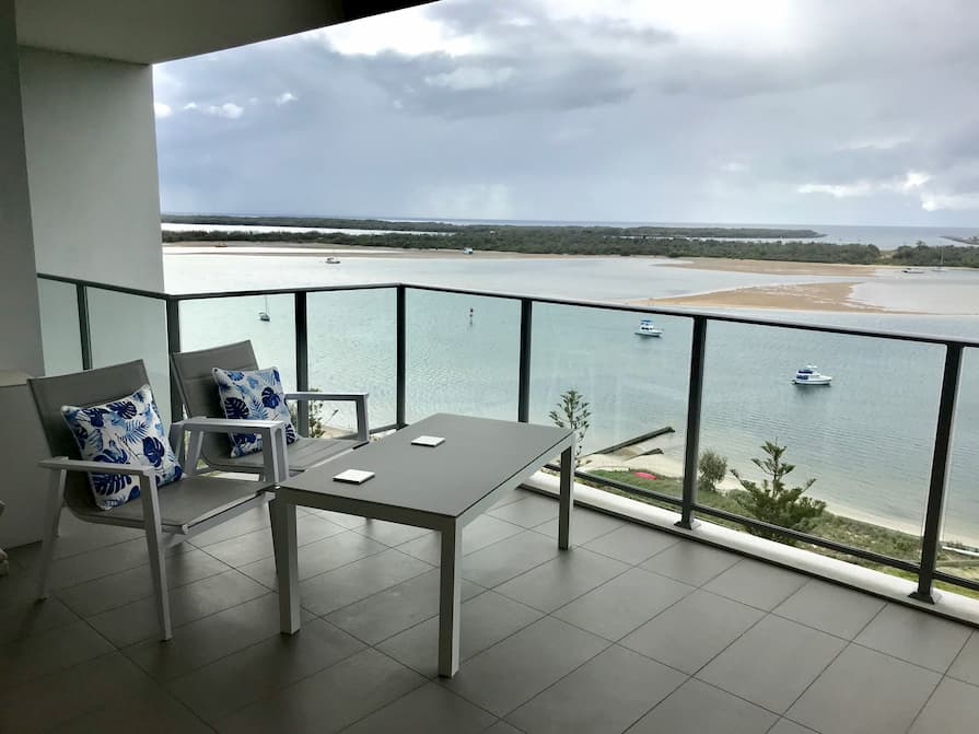Balcony overlooking the sea in Labrador near Surfer's Paradise